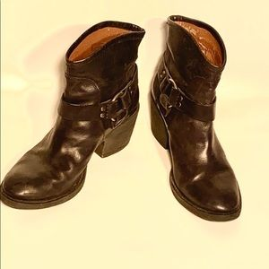 Lucky Brand Leather Bambi Ankle Boots Size 8